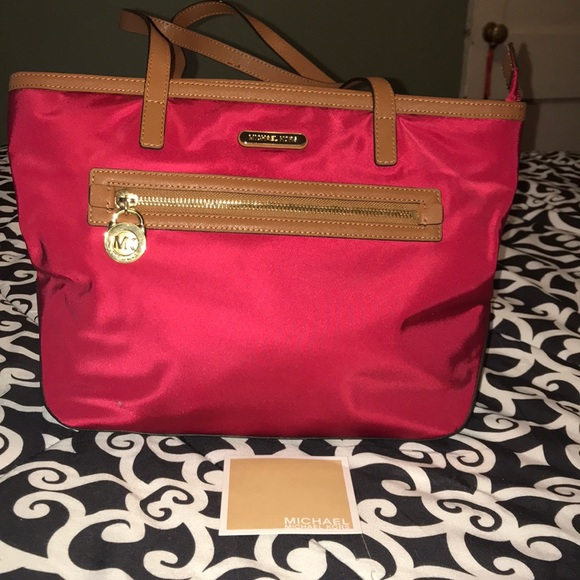 36cd01106857 ... sweden authentic michael kors kempton tote red and brown 2b515 3d2c1 ...